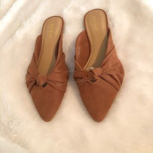 Bamboo Knotted Sweetheart Mules